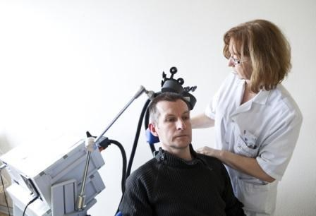 Repetitive transcranial magnetic stimulation of the right secondary somatosensory motor cortex produces relief from chronic neuropathic orofacial pain.