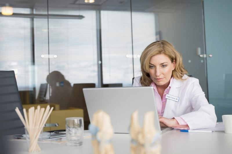 Dos and Don'ts of Online Profiles for Medical Professionals