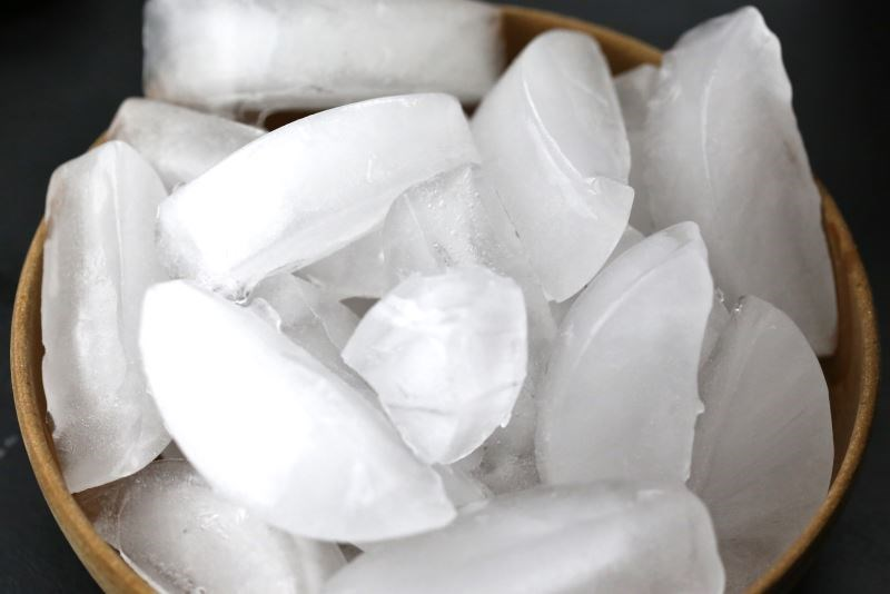 Ice Cube Cryotherapy Reduces Local Anesthetic Injection Pain