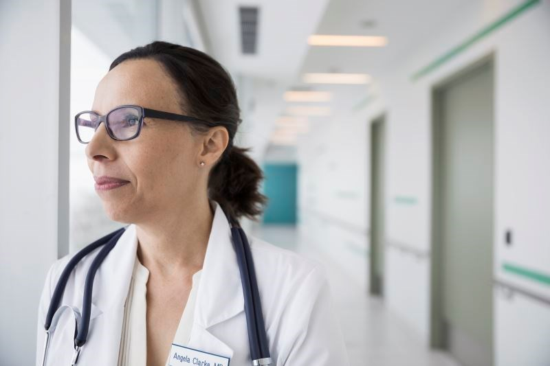 Spouses of Female Physicians More Likely to Work Longer Hours Outside of the Home