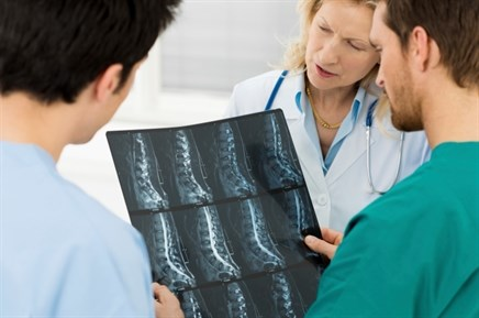 ASA: Review Links Opioids With Complications Post-Spine Surgery