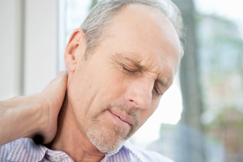 A total of 220 patients with idiopathic chronic neck pain were randomly assigned to receive 5 mg amitriptyline or placebo at bedtime for 2 months.