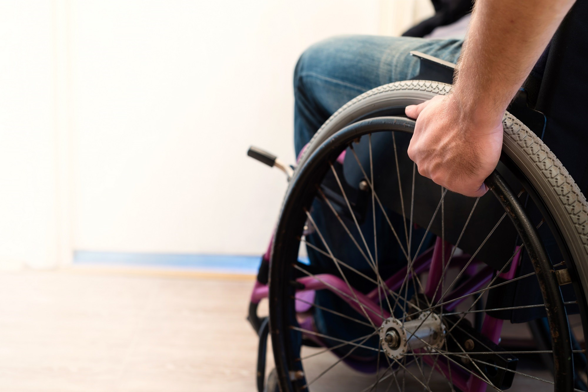 This study was part of a larger mixed-methods study that assessed facilitators and barriers to living with chronic pain after spinal cord injury.
