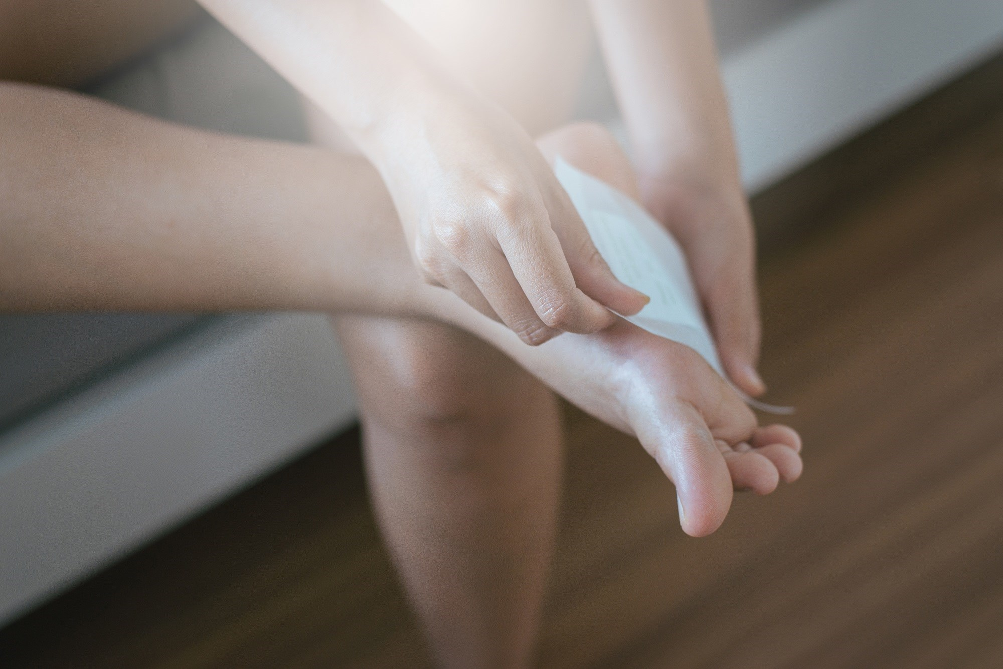 Study participants were given a capsaicin 8% patch to be applied to the upper and lower extremities for the treatment of postherpetic neuralgia, postoperative cicatrized pain, or other localized perip