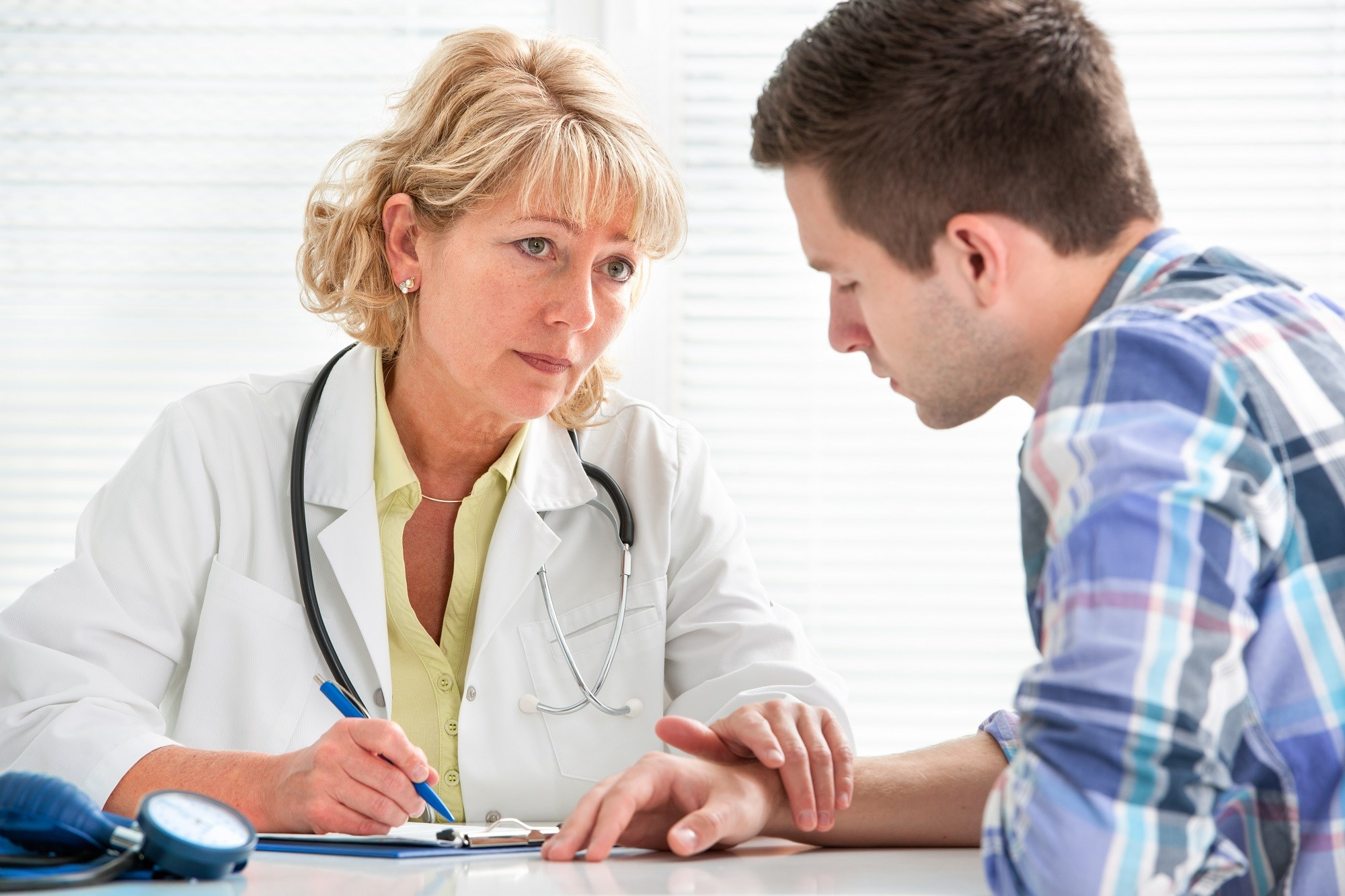 The investigators examined retention in care with attrition (ie, ≥60 days with no treatment-related claims) in youths who received opioid use disorder medication.